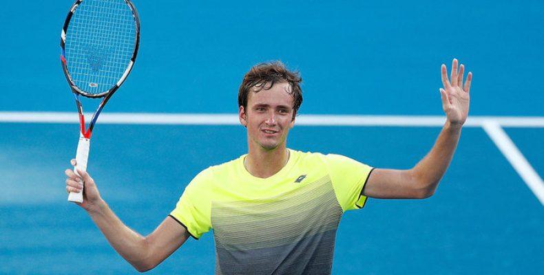 Прогноз на теннис, Брисбен, Медведев – Раонич, 04.01.19. Достаточно ли восхождение россиянина для триумфа над фаворитом?