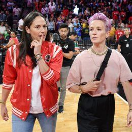 Звезда футбола Меган Рапино и звезда WNBA Сью Берд объявили о помолвке