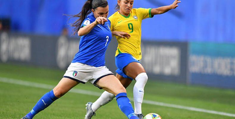 Сдаёт ли позиции американский женский футбол?