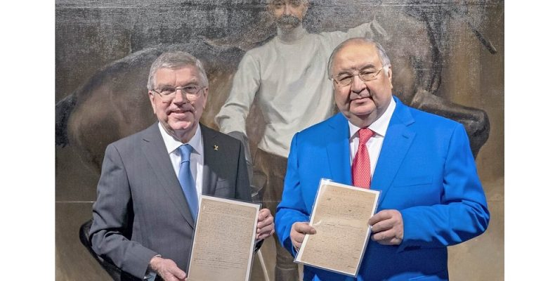 Алишер Усманов пожертвовал Олимпийский манифест стоимостью 6,8 млн. фунтов в музей Игр