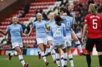Коронавирус оставил без финансовой поддержки женские футбольные команды