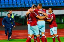 «Динамо Брест» в Беларуси играет перед фанатами – манекенами