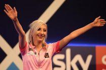 Чемпионат мира по дартсу: Фэллон Шеррок становится первой женщиной, победившей мужчину