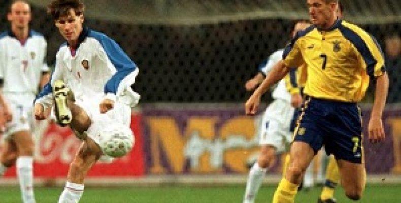 Опрос в Украине: надо ли футбольной сборной ехать в Россию?
